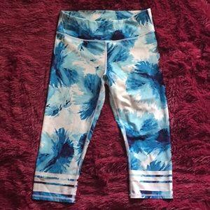 Fabletics blue and white floral capris leggings